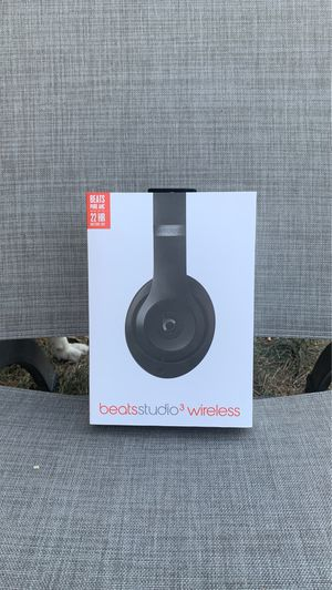 Beats studio three wireless only use 2 times for Sale in Tracy, CA