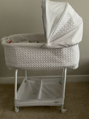 Auto glide Bassinet for Sale in Reston, VA