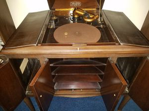 Victrola by Victor Talking Machine for Sale in Des Plaines, IL