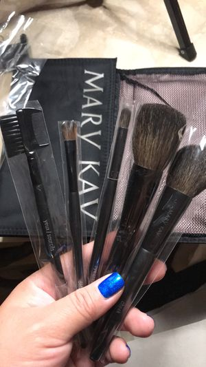 Makeup brush set for Sale in Compton, CA