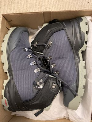 Women's Salomon hiking shoes BRAND NEW NEVER WORN for Sale in San Diego, CA