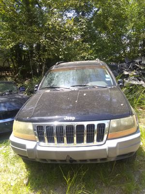 00 jeep cherpkee parts bad engine for Sale in Dallas, TX