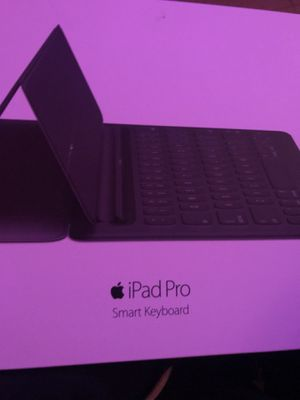 iPad Pro Smart Keyboard for Sale in Chicago, IL
