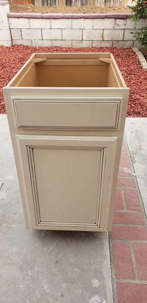 """Kitchen 18"""" sink base cabinets for Sale in San Diego, CA"""
