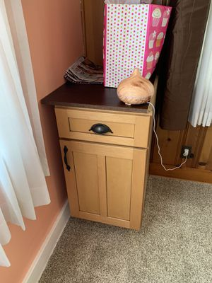 Kitchen Cabinet for Sale in Aliquippa, PA
