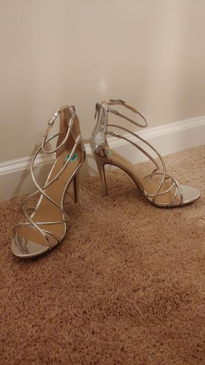 Silver heels size 8.5 for Sale in Cumming, GA