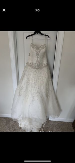 Allure Bridals Wedding Dress for Sale in Clayton, NC