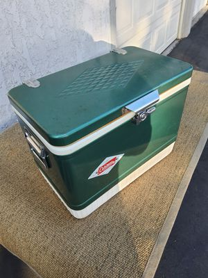 Vintage cooler Coleman for Sale in Long Beach, CA