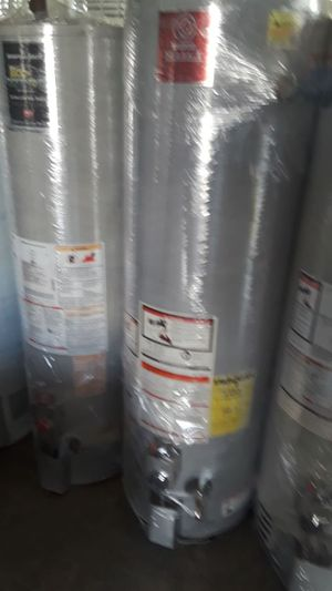 Super price water heater today for 320 whit installation included for Sale in Colton, CA