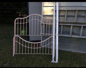 Pink bed frame for Sale in Brandon, FL
