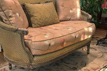 French Settee (Love Seat / Couch) for Sale in Nashville,  TN