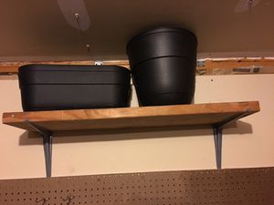 2 large flower pots for Sale in Colorado Springs, CO