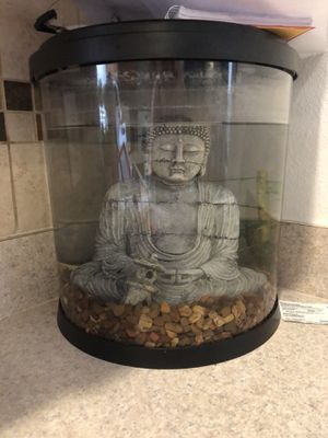 2gallon fish tank. for Sale in Port Richey, FL