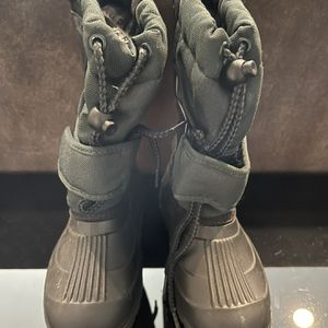 Lacrosse Snow Boots, Kid Size 12R for Sale in San Jose, CA