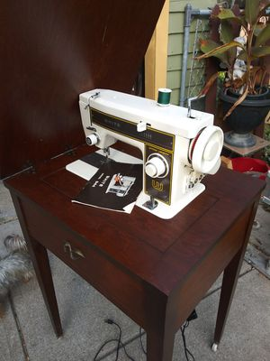 White sewing machine for Sale in Cleveland, OH