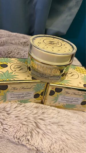 Too Faced Pineapple Glow for Sale in Garden Grove, CA