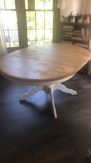 Solid oak table with leaf for Sale in Irmo, SC