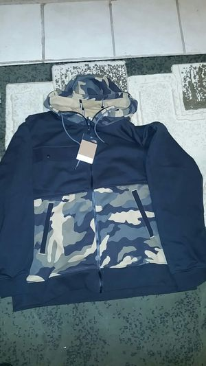 North Face zip up hoodie for Sale in Reedley, CA