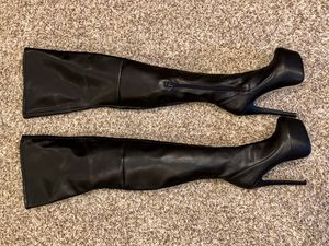 Bebe Tressa Thigh High Leather Platform Boots - black, size 8 for Sale in Thornton, CO