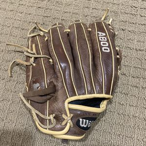 """2018 Wilson A800 11 1/2"""" Youth Mitt for Sale in Seattle, WA"""