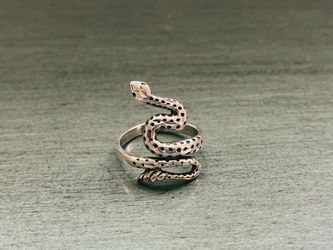 Sterling Silver Ring - Fun statement Piece! for Sale in Pittsburgh,  PA
