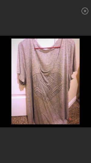 Size 3 Torrid Geometric Heart Tee for Sale in Katy, TX