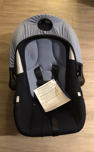 Infant car seat - never used for Sale in Tampa, FL