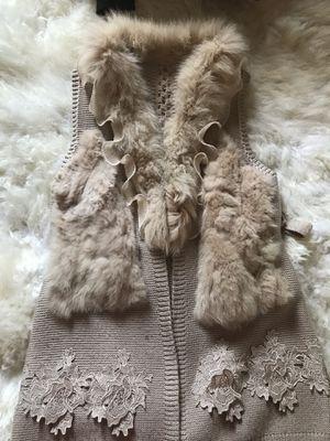 Faux fur and acrylic vest size S for Sale in El Cerrito, CA