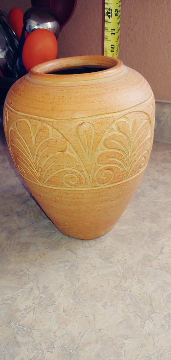 Flower / decor pot