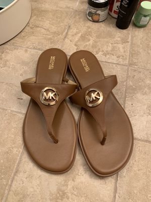 Brand new michael kors sandals for Sale in Woodinville, WA