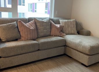 Grey Reversible Sectional for Sale in Los Angeles,  CA