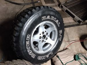31/10.5/15 tires on jeep wheels for Sale in Elma, WA