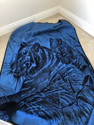 Twin Size Blanket for Sale in Santa Maria, CA