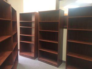 5 shelf book case for Sale in Sacramento, CA