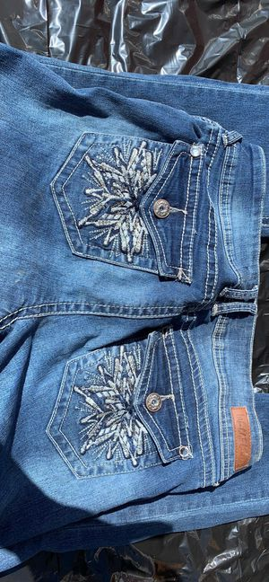 Wallflower jeans size 7 for Sale in Prineville, OR