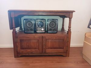 Antique table and radio. for Sale in Belton, TX