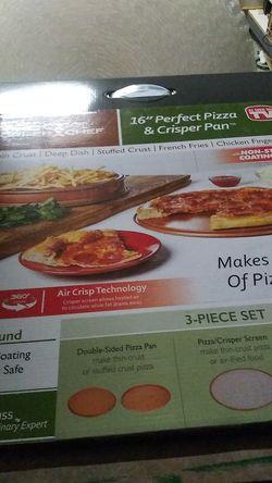 """Copper chef 16"""" pizza and crisper pan for Sale in Hemet,  CA"""