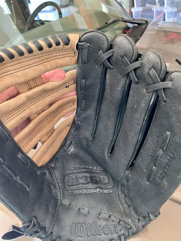 Wilson Softball Glove A360. ( one owner )used