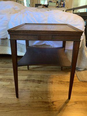Antique end table for Sale in Las Vegas, NV