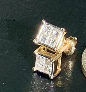 14kt screw back Diamond earrings for Sale in Antioch, CA