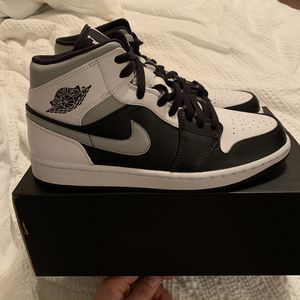 Jordan 1 Mid White Shadow for Sale in Miami, FL
