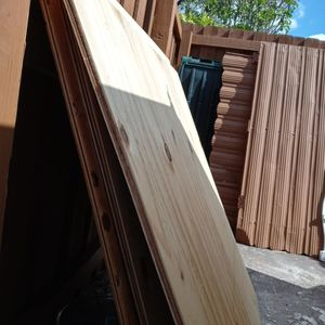 Free Plywood 4 Feet By 4 Feet Great Cond for Sale in Miami, FL