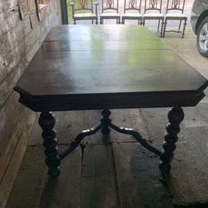 Antique Solid Wood Table W/5chairs And Leaf for Sale in Plainfield, IL