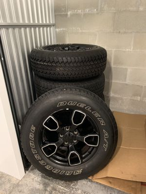 Wheels & Tires for Jeep Unlimited stock for Sale in Tampa, FL