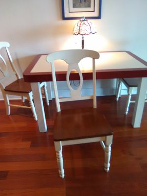 Dining room table with 4 chairs for Sale in Philadelphia, PA