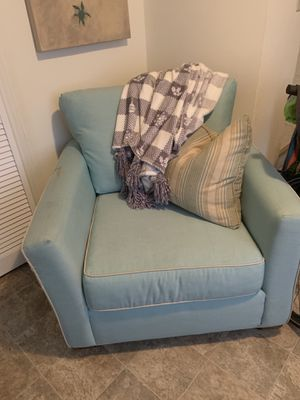 Chair and couch set for Sale in Blacksburg, VA