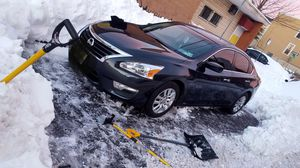 A midnight black, 2013 Nissan Altima Sport (S), it's in an excellent condition, runs perfectly fine and very good in gas. It has 98000 miles on it. for Sale in Teaneck, NJ