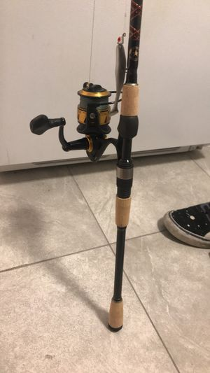 Star rod with size 3500 penn spinnfisher vi for Sale in Miami, FL