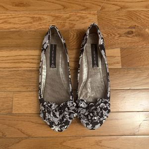 Steven by Steve Madden Black Gray floral flats Women's 7.5 for Sale in Silver Spring, MD