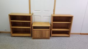 Oak Bookshelves and TV Stand for Sale in Midlothian, IL